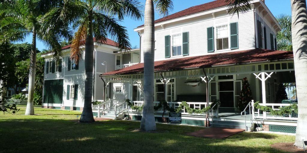 beautiful waterfront florida home