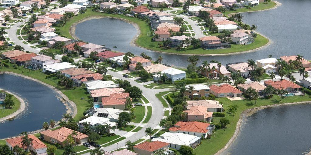 Florida waterfront homes facing many directions