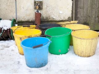 Keep-Water-Buckets-From-Freezing-in-Winter