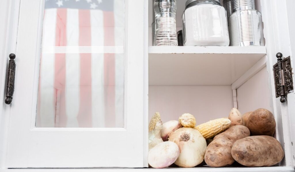 potatoes inside the pantry